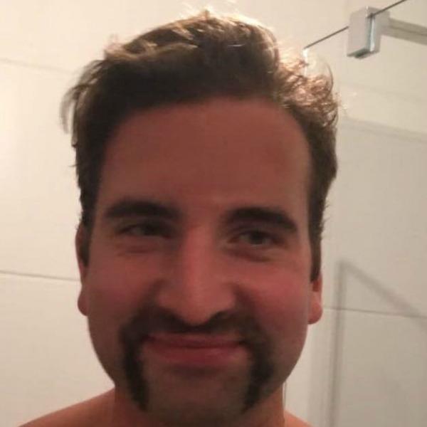 Movember_Lo
